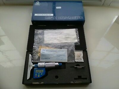 Moore and wright digital micrometer 305-00DDL