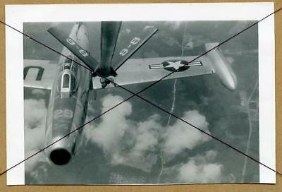 W004 Orig 1954 Photo USAF F-84 Thunderjet Jet Aircraft Mid Air To Air Refueling