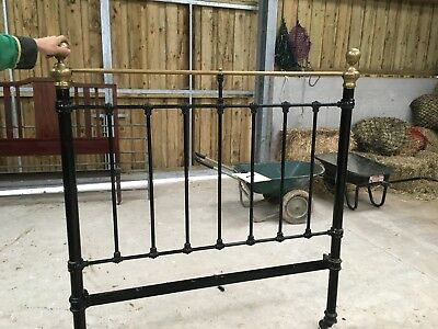 BEAUTIFUL VICTORIAN CAST IRON AND BRASS ANTIQUE 4ft DOUBLE BED FRAME