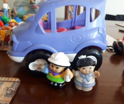 FISHER PRICE Toys Little People musical car w mummy & baby EUC