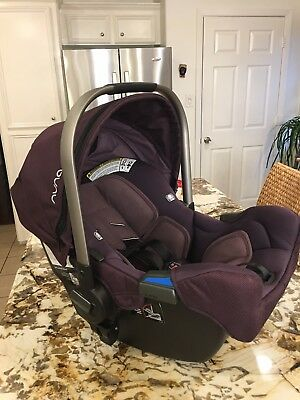 Nuna Pipa Infant Car Seat Carseat Berry Perfect Condition & BASE MFG APRIL 2016!