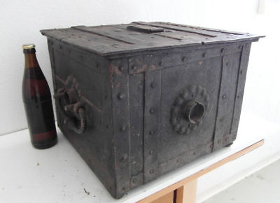 Exceptional Nuremberg Armada /  War Chest Circa 1650 Great Condition Rare Type