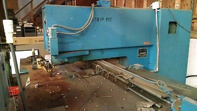 Strippit Punch Houdaille Fabramatic Model 30 and many extra punches