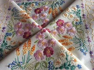 Exquiste Vintage Linen Hand Embroidered Tablecloth ~ Country Cottage Florals