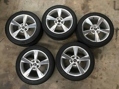 Holden Commodore VF S2 Series II Alloy Wheels & Tyres (Set of 5) - Genuine