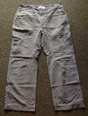 Timberland mans size 36/32 sage green canvas active wear trousers in VGC
