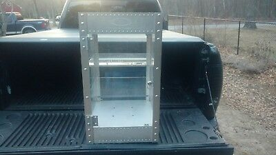 """Oakley X-Metal Display Case, Counter Top W 16"""" D 16"""" H 28"""", with working key"""