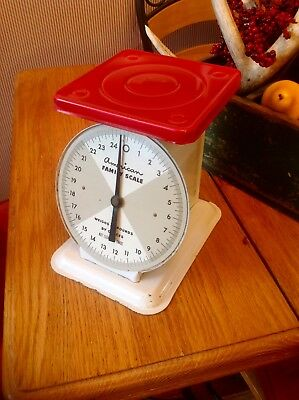 Vintage American Family Scale White & Red 25 Pounds Kitchen Countertop NICE!!