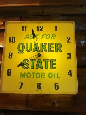 "VTG 1960's Quaker State Motor Oil Gas Station 16"" Lighted Clock Sign Works! NR"