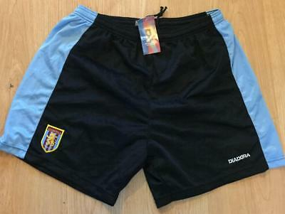 ** Official Brand New Aston Villa Football Shorts Size Adult Xl **