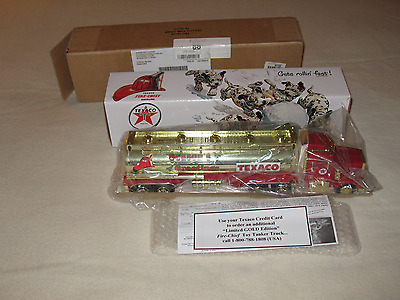 """Texaco 1998 Season's Greetings Fire-Chief Toy Truck"" New/Bank, Lights, & Sound"