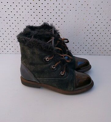 Size 39 Vintage Ladies Black Suede leather hiking riding ankle boots