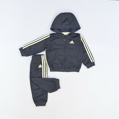 Chandal color Negro marca Adidas 12 Meses