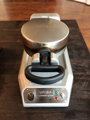 Waring WWD180 Commercial Classic Waffle Maker, Up to 30 Waffles Per Hour