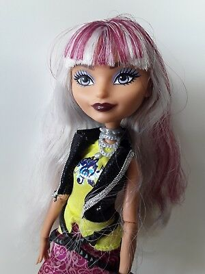 Ever After High Dolls Melody Piper Excellent used condition RARE