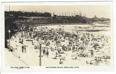OLD POSTCARD The Bathing Beach Newcastle NSW  c.1930's