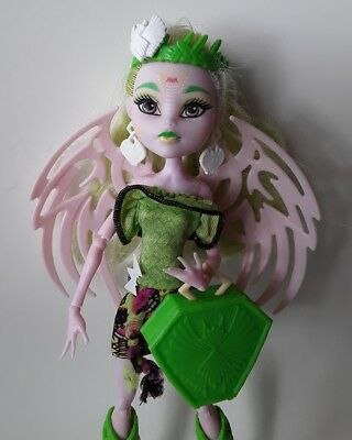 Monster high doll Batsy Claro Brand-boo students Excellent used condtion complet