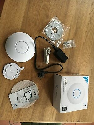 Ubiquiti UniFi AP AC Lite (UAP-AC-Lite) with PoE Adapter