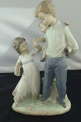 Lladro 5702 -- BACK TO SCHOOL -- MINT condition