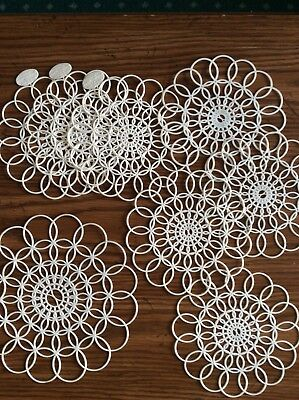 VINTAGE TUPPERWARE 1956 NEW LOT OF 1 LARGE & 7 small WHITE PLASTIC LACE DOILIES