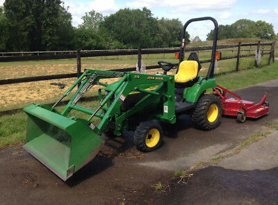 John Deere 2210 Compact Tractor 4WD with Attachments
