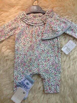 Stunning Floral Newbaby Mothercare New Tagged Romper/hat/socks Low/comb P&p 10P