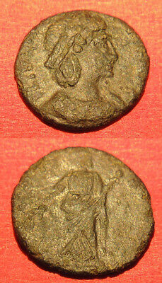 AE4 of Helena, mother of Constantine I, 325-330 AD, 1.31g, 14mm.