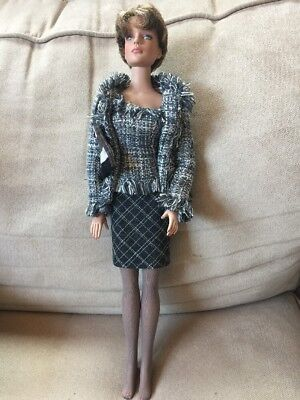 Robert Tonner Doll 2001 Model Unknown