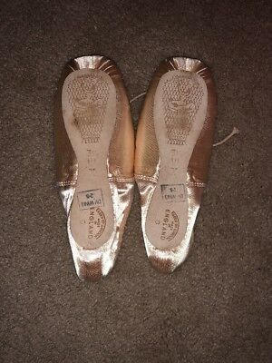 Freed of London pointe shoes Size 3.5 1X Neptune