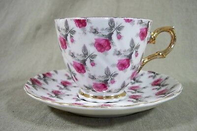 Vintage Napco # IDD321 w/Gold Chinz Roses Tea Cup and Saucer