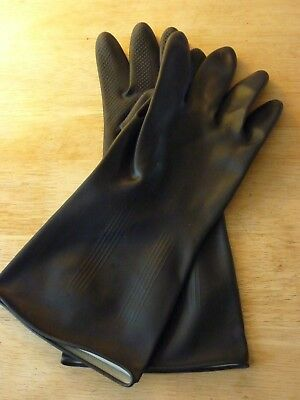 One Pair of Tough Heavy Duty Rubber Gloves Unisex size Large Superb Quality New!