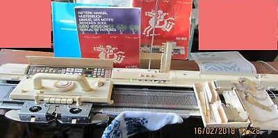 Brother Electroknit Kh-910 Knitting Machine With Mylar Sheets & Instruction Bks