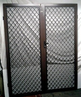 Double Screen Doors/ Safety Diamond Grill/ Brown
