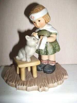 Berta Hummel Goebel Figurine - Tender Loving Care In BH 25