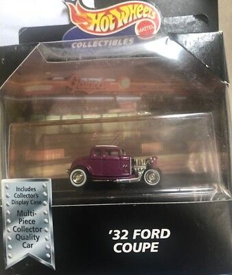 1/64 Hot Wheels 32 ford Coupe Mooneyes very good condition