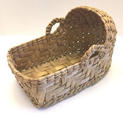 """Wicker~Bassinet~Basket~Woven~Handles~Portable~Moses~Baby Doll 9"""" x 5"""" Excellent"""
