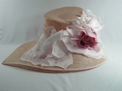 The London Designer Collection - Beautiful Pale Pink Hat - Pretty Flowers!!