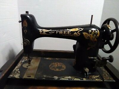 The Free Sewing Machine by Westinghouse, long bobbin, 1900-1921 Antique Old