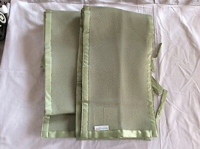 Pre-Owned Breathable Baby Mesh Crib Bumper in Sage Green