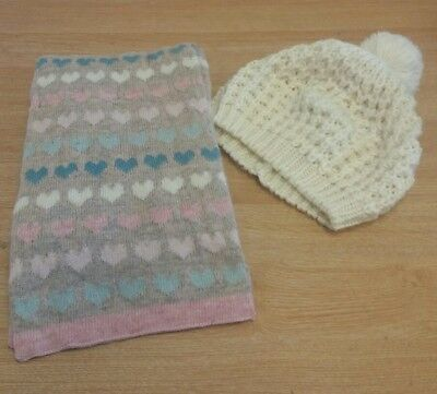 Ladies Hat And Scarf Cream Hearts <J7833
