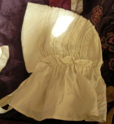 Authentic Victorian decorative cream maids' cap in excellent condition