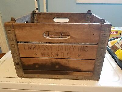 Rare Washing DC 1953 Embassy Dairy Wood Milk Crate With Dividers