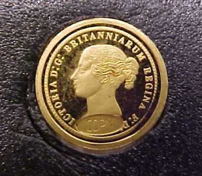 TINY GOLD UNA & LION CROWN COIN MARKED .585 WEIGHT .5 GRAM 6 mms VIEW THE PHOTOS
