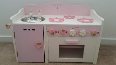 Wooden Pretend Kitchen Role Play - Girls/toddlers