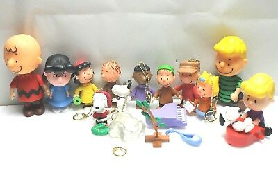 Peanuts Charlie Brown Snoopy Figures Figurines Lot of 4 Character Toys PMI 2002