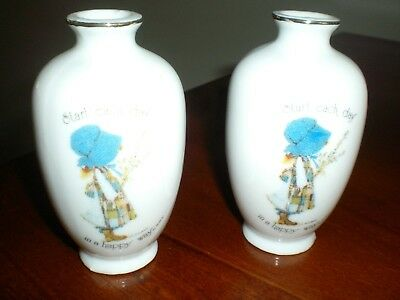 Holly Hobbie Collection 100Mm Porcelain Bud Vase With Gold Rim By Two