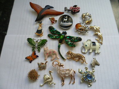 Lovely collection of 18 vintage animal brooches and 2 pins 1 signed cerro.