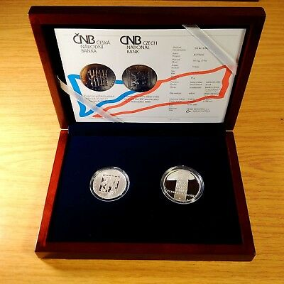 Set of CZECH REP. Ag Medal and 200 CZK 25th Anniversary 17 November 1989 - proof