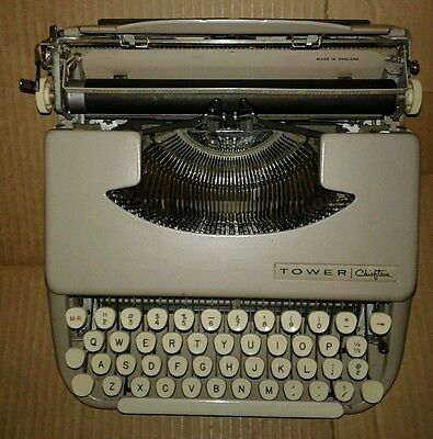 Tower Chieftan Model 871.1010 Sears Roebuck And CO Antique Typwriter England