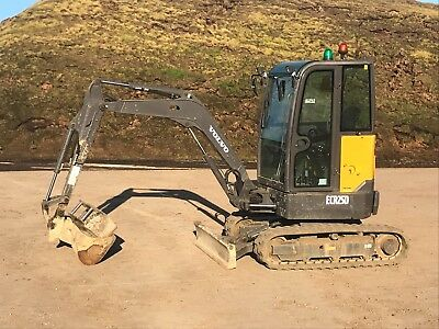 Volvo ECR25D 2.5 tonne Mini digger. Low hours, VGC Mini Excavator with buckets